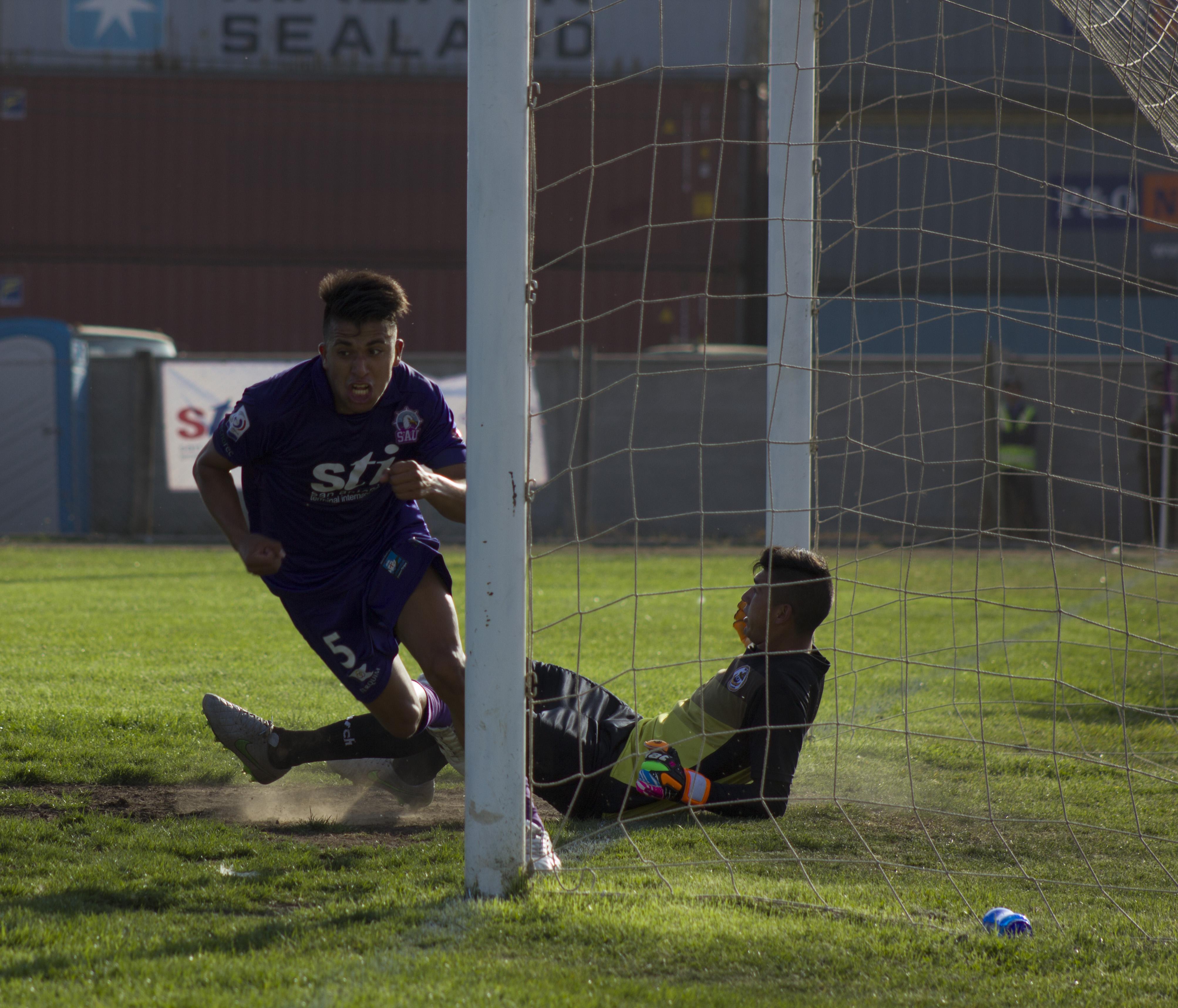 Con goleada parte el ciclo de Jorge Garcés en San Antonio Unido