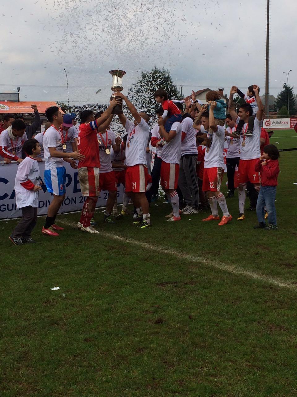 Deportes Valdivia regresa a Primera B con una contundente goleada