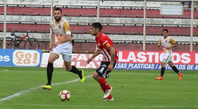 Deportes Linares no pudo frente al puntero y se aleja de la Liguilla